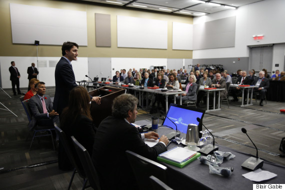 杜魯多總理向近100名勞工領袖講話。