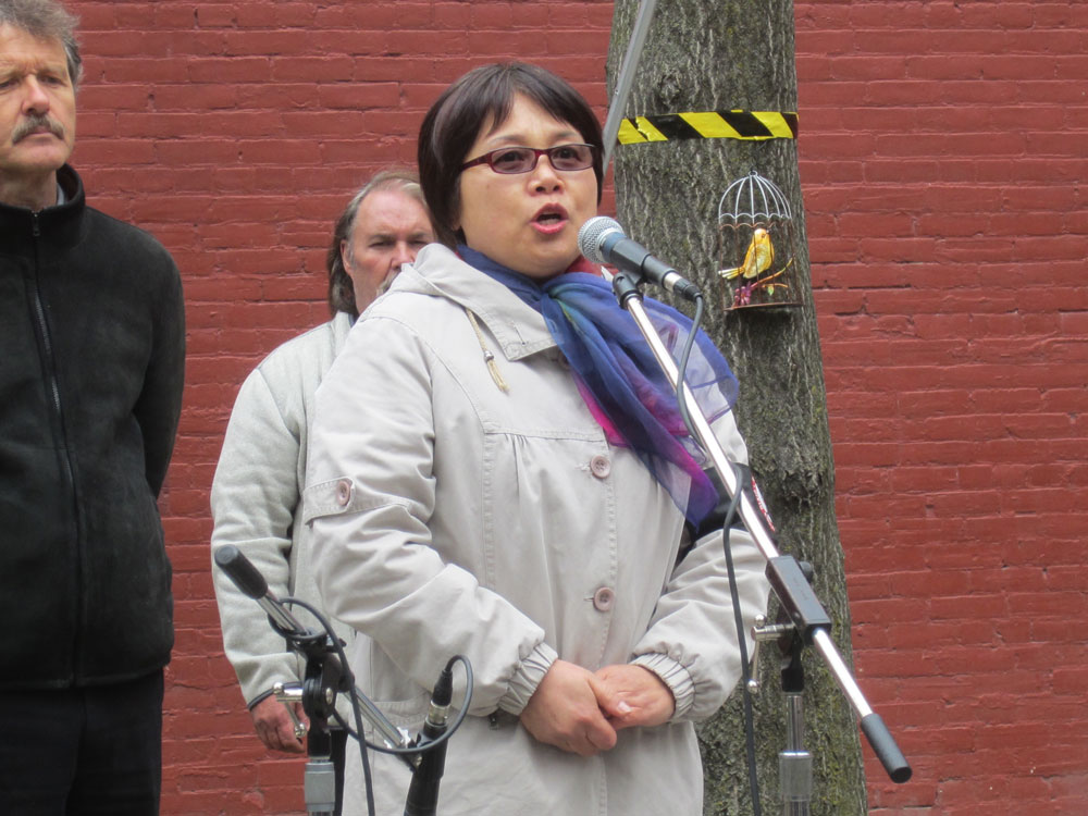 Chinese Injured Workers' Group 的Jenny 講述她的工傷經歷,敦促WSIB要全面公平對待受傷工人